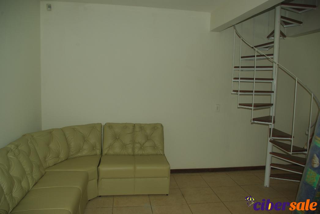 Casa de 3 dormitórios com 2 banheiros e churrasqueira a ±80M do mar – Florianópolis, Praia dos Ingleses