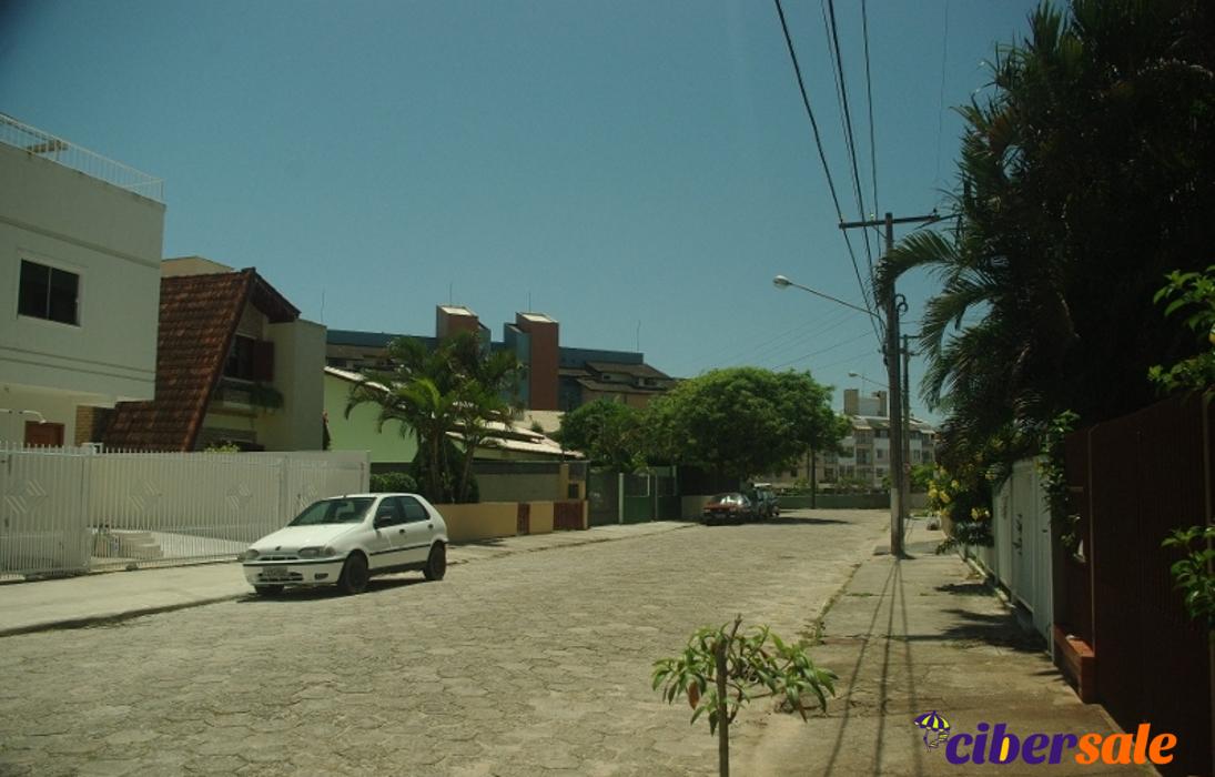 Casa de 3 dormitórios com piscina e churrasqueira na cobertura a ±80m do mar – Florianópolis, Praia dos Ingleses